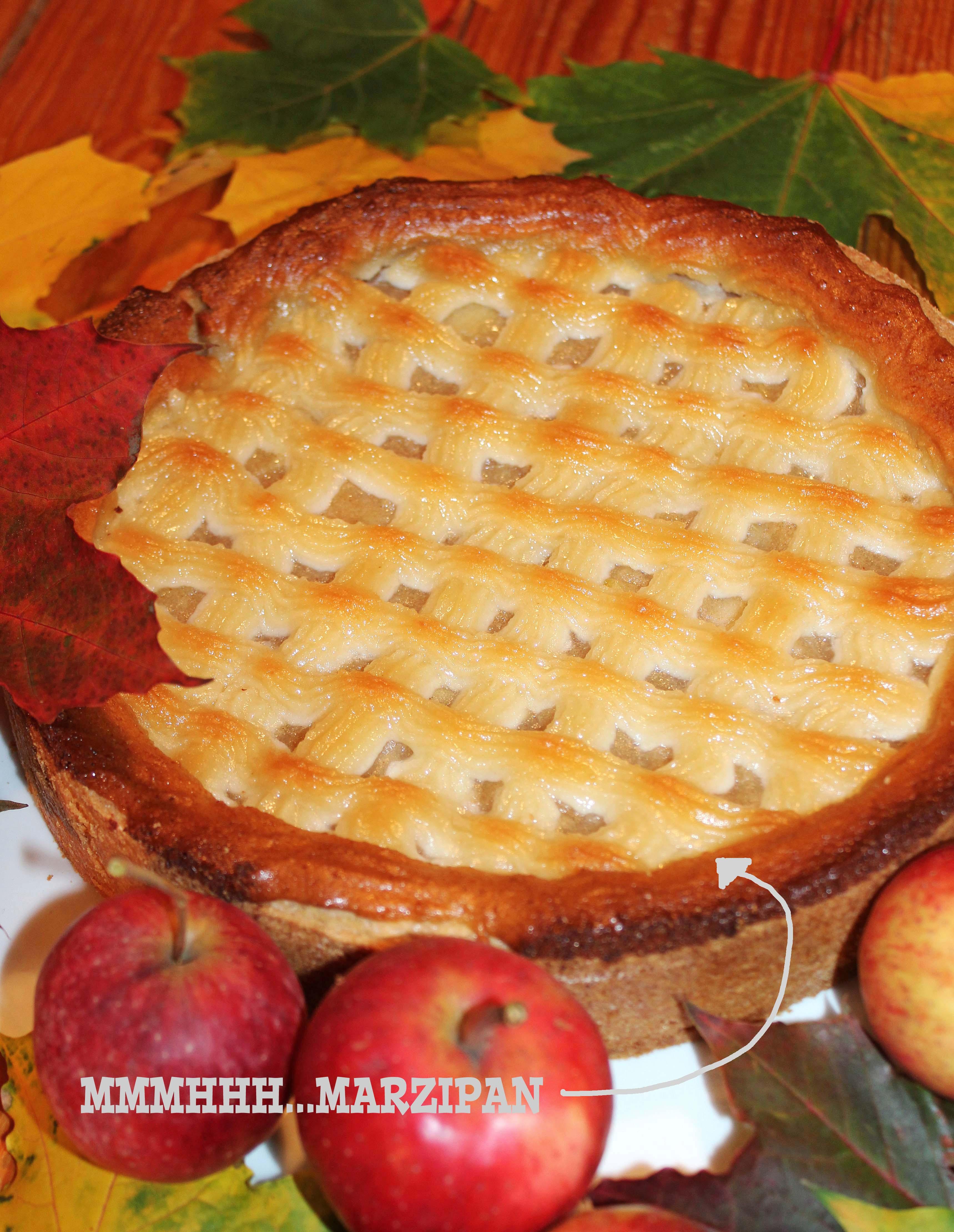 Apfeltorte mit Marzipangitter