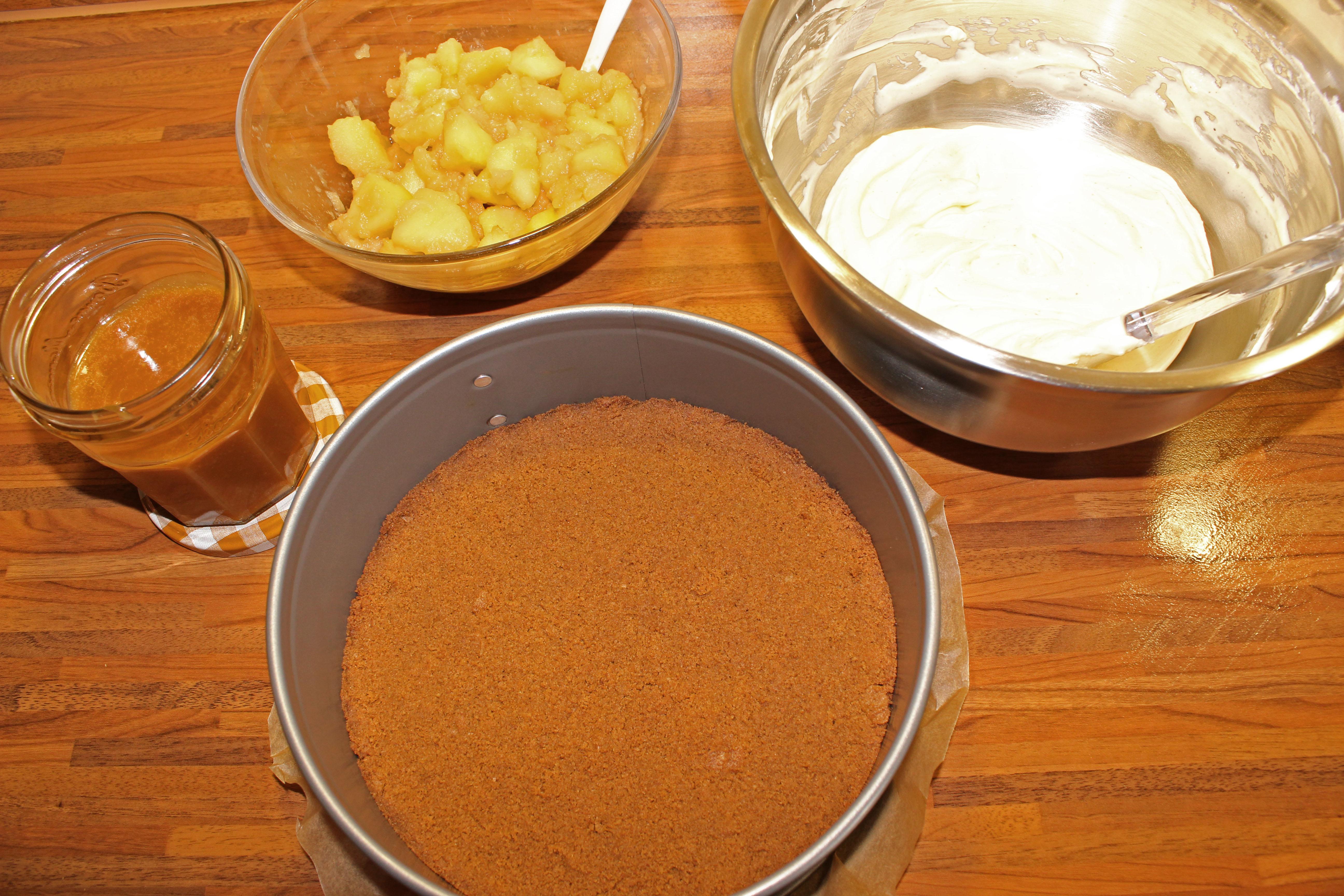 Karamell-Apfel-Cheesecake_b4391_bearbeitet-1
