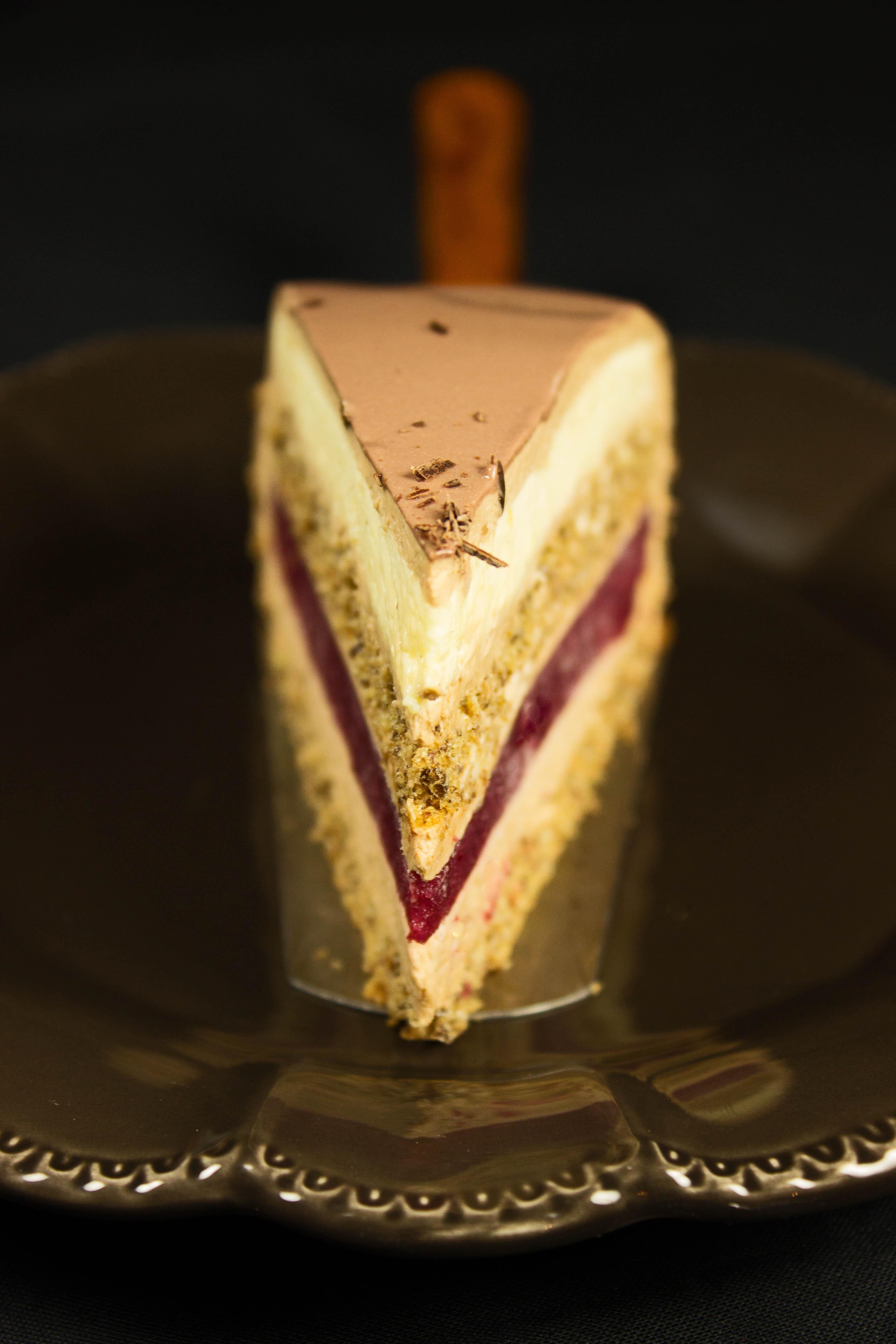 Pumpernickel-Waldbeere-Vollmilch Torte