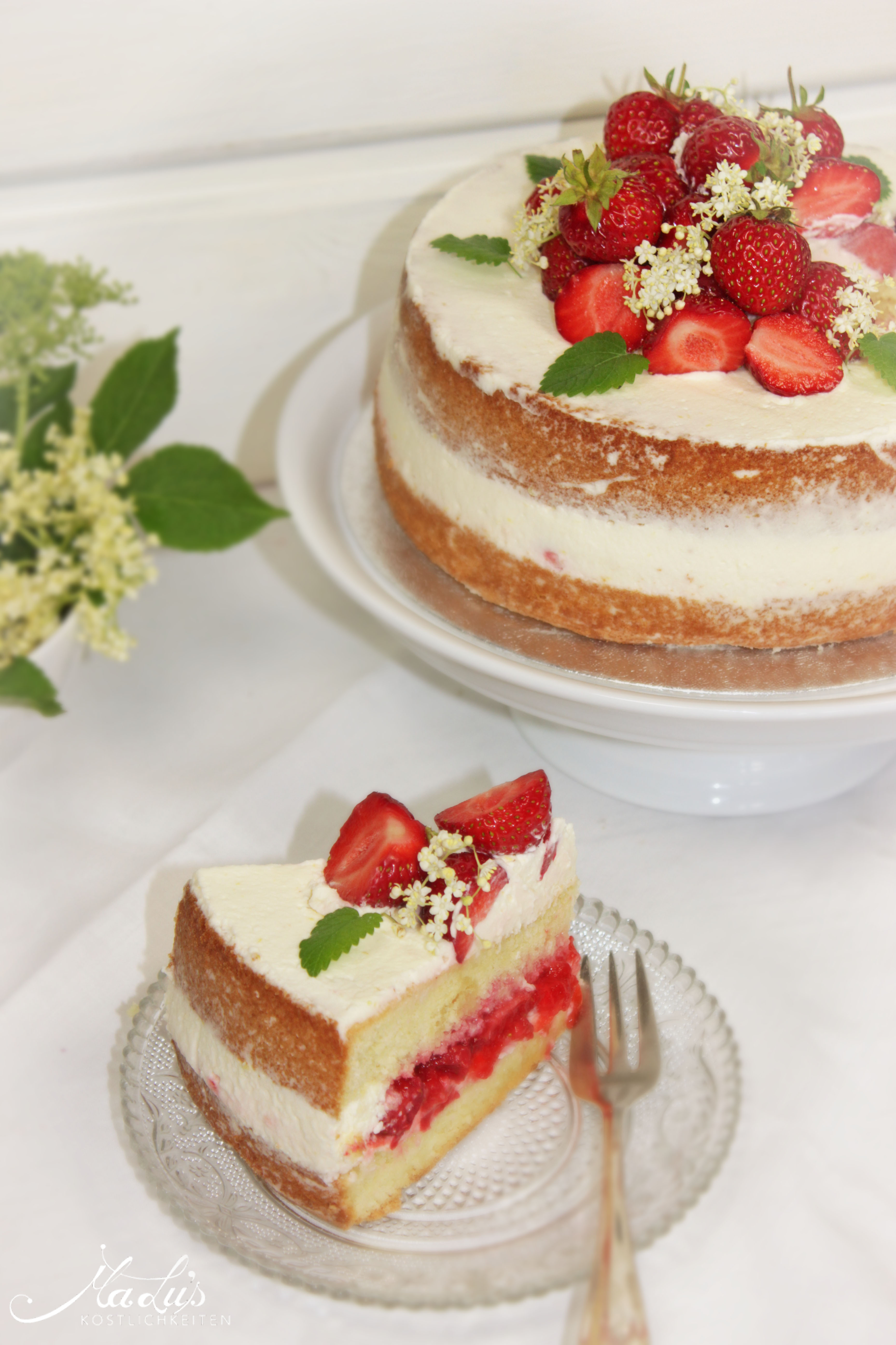 Erdbeer-Holunderblüten Torte
