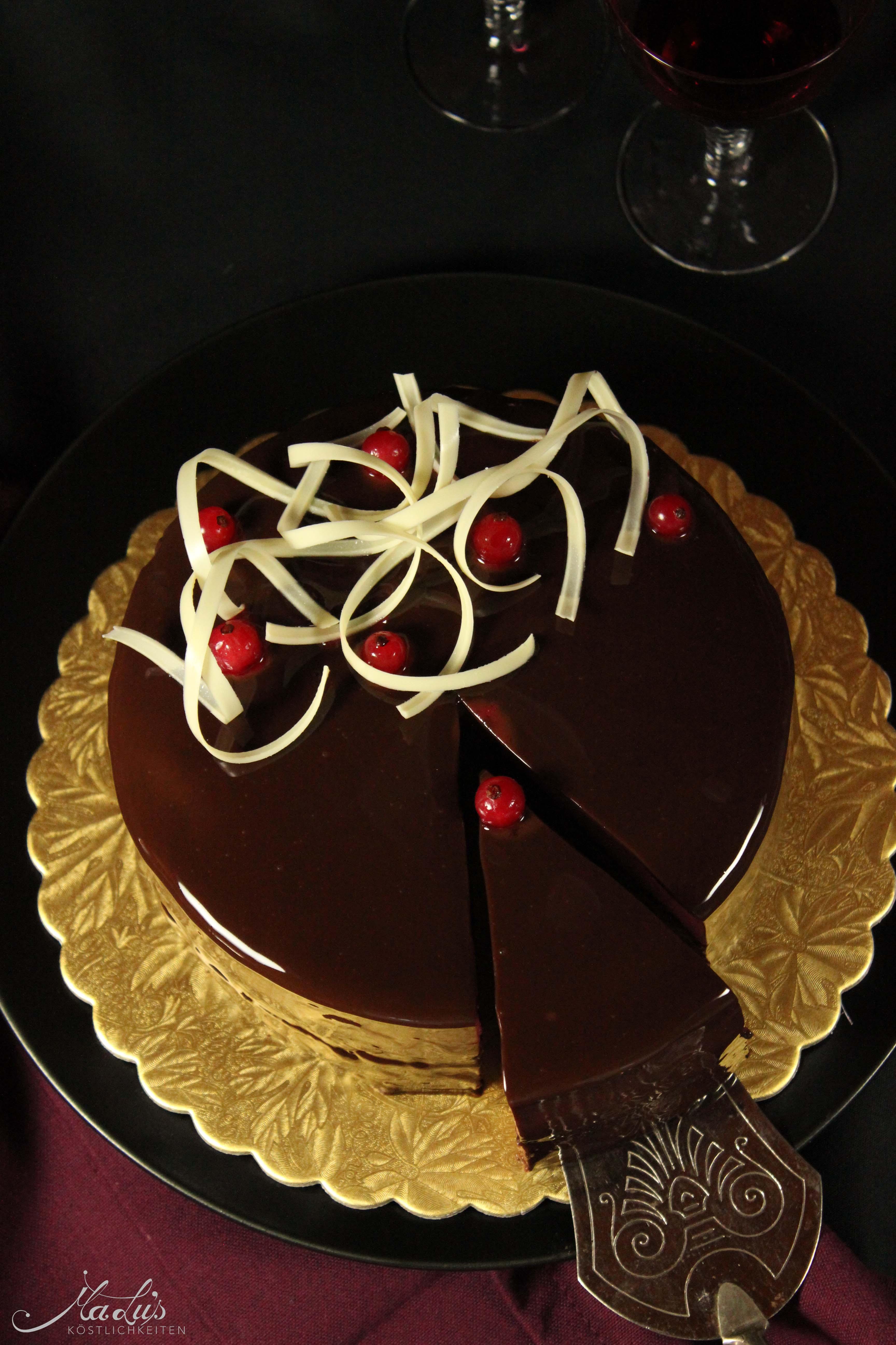 Feine Schokoladen Cassis Torte Malu S Kostlichkeiten
