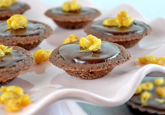 karamell-tartelettes-mit-gesalzenen-erdnc3bcssen-1
