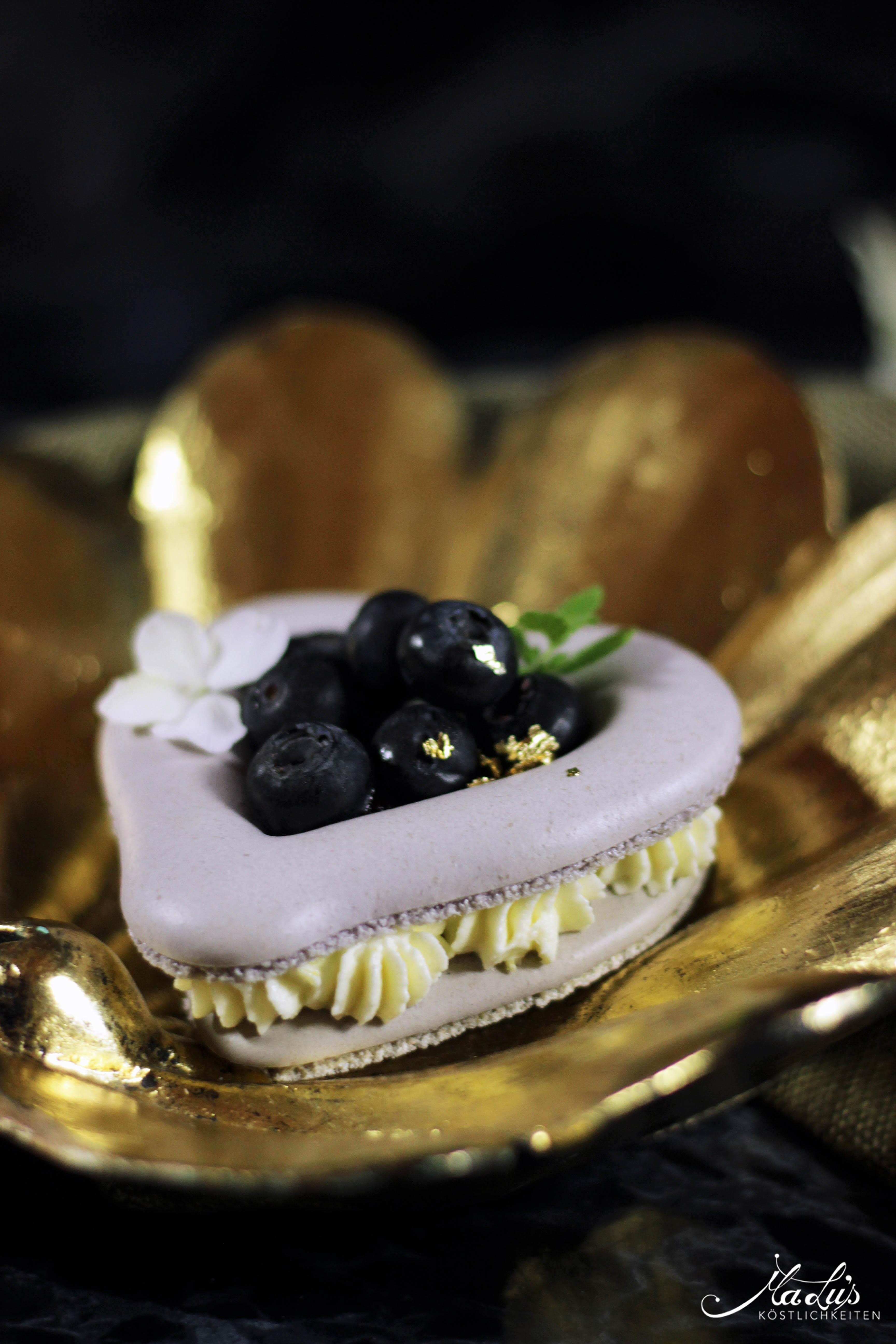 Heidelbeer Macaron Herzen 5