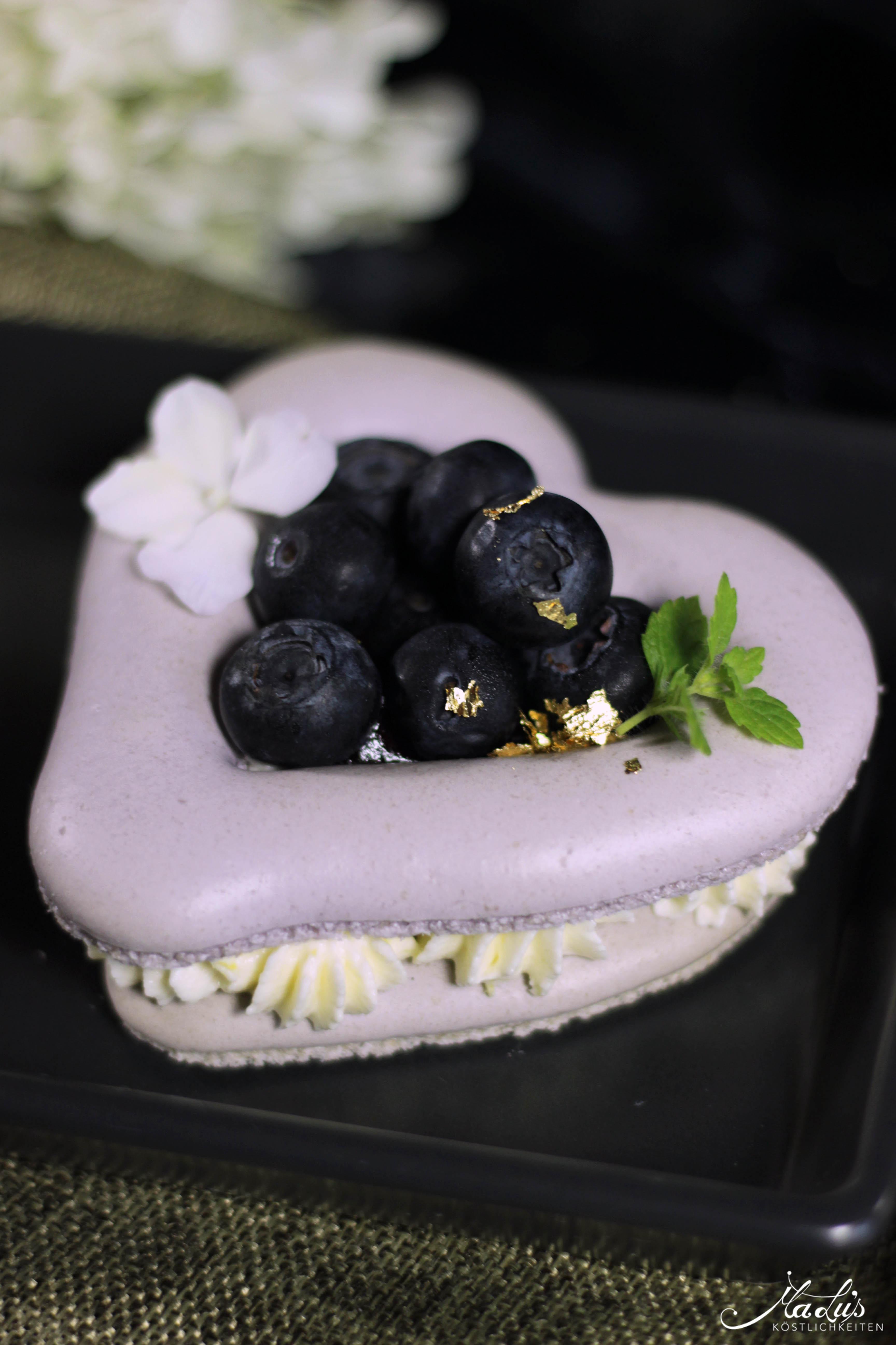 Heidelbeer Macaron Herzen 7