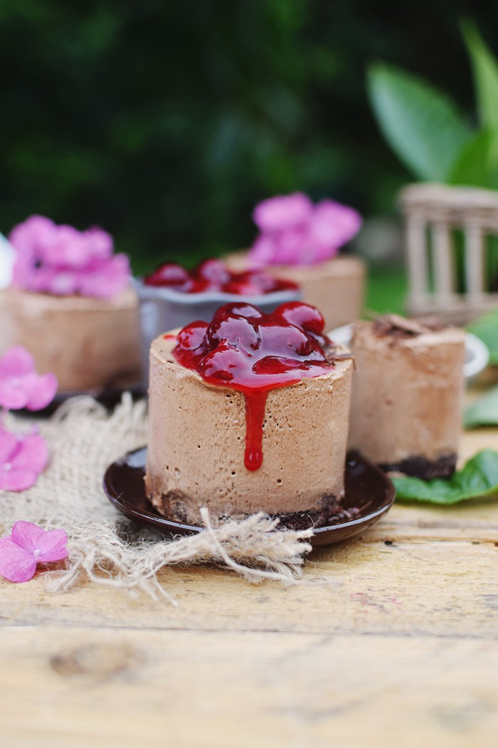 Geeiste-Schoko-Mousse-mit-Kirschen-Iced-Chocolate-Mousse-with-cherries-6