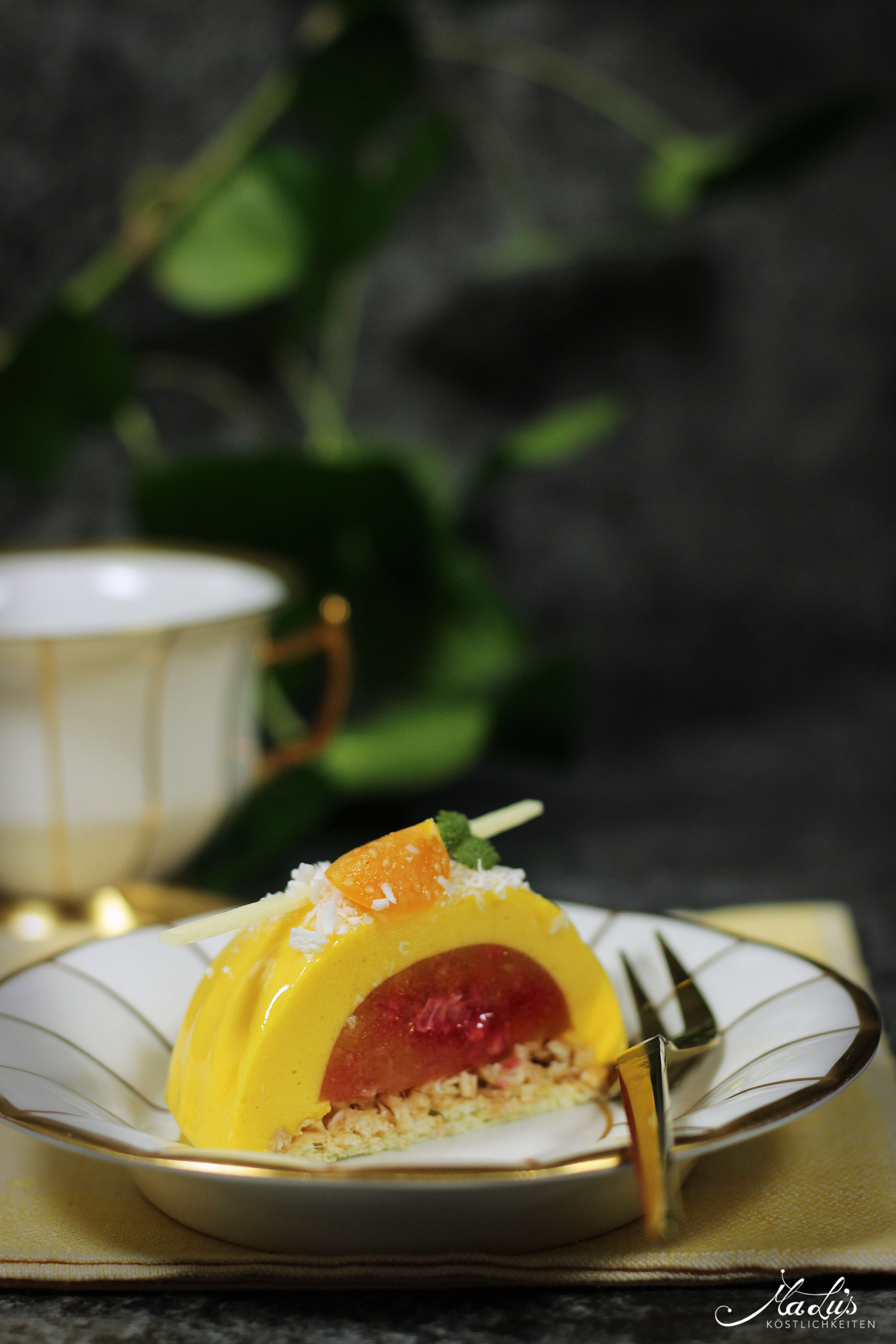 Mango-Himbeer-Kokos Kuppeltörtchen