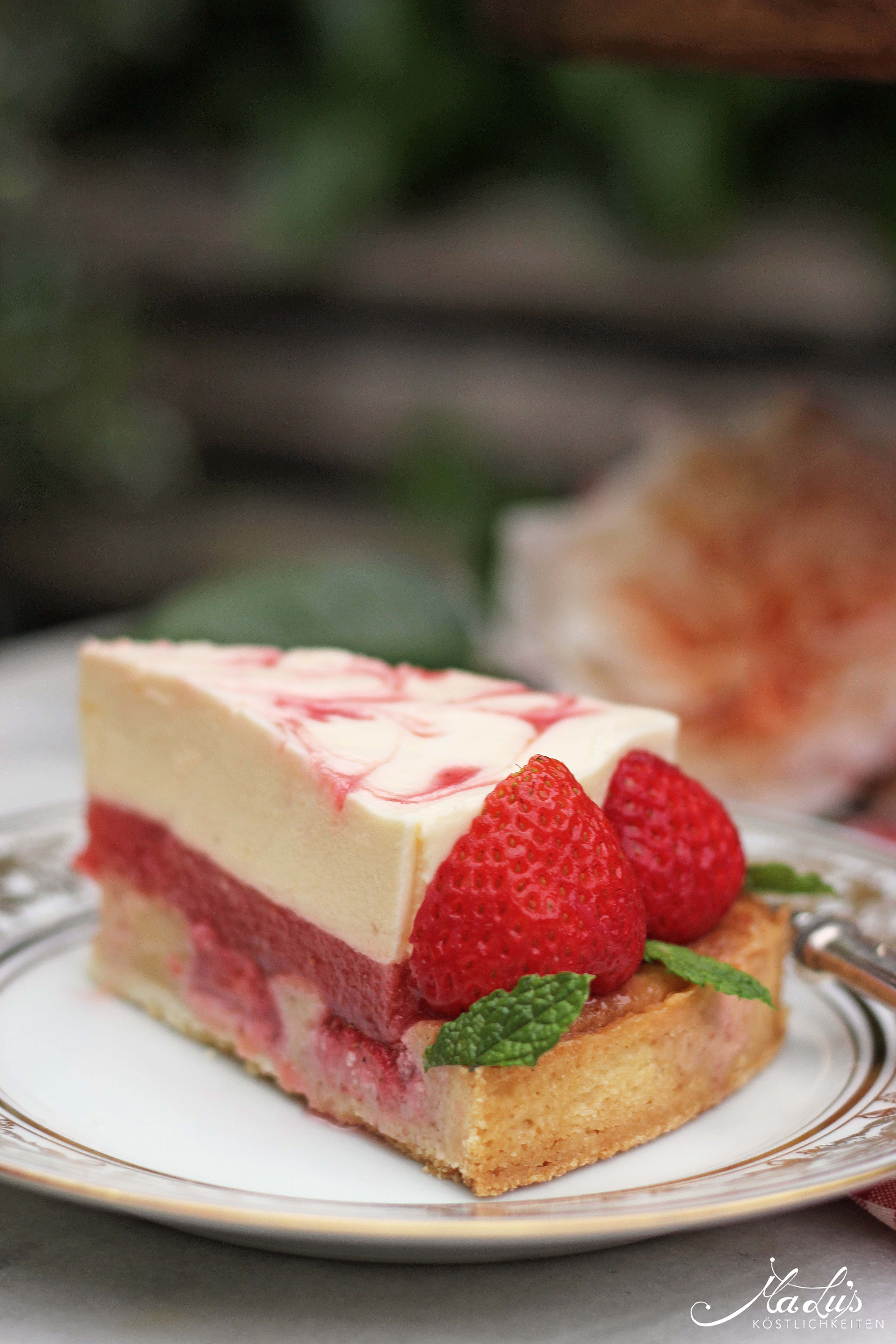Erdbeer-Pfirsich Torte mit saftigem Mandelboden