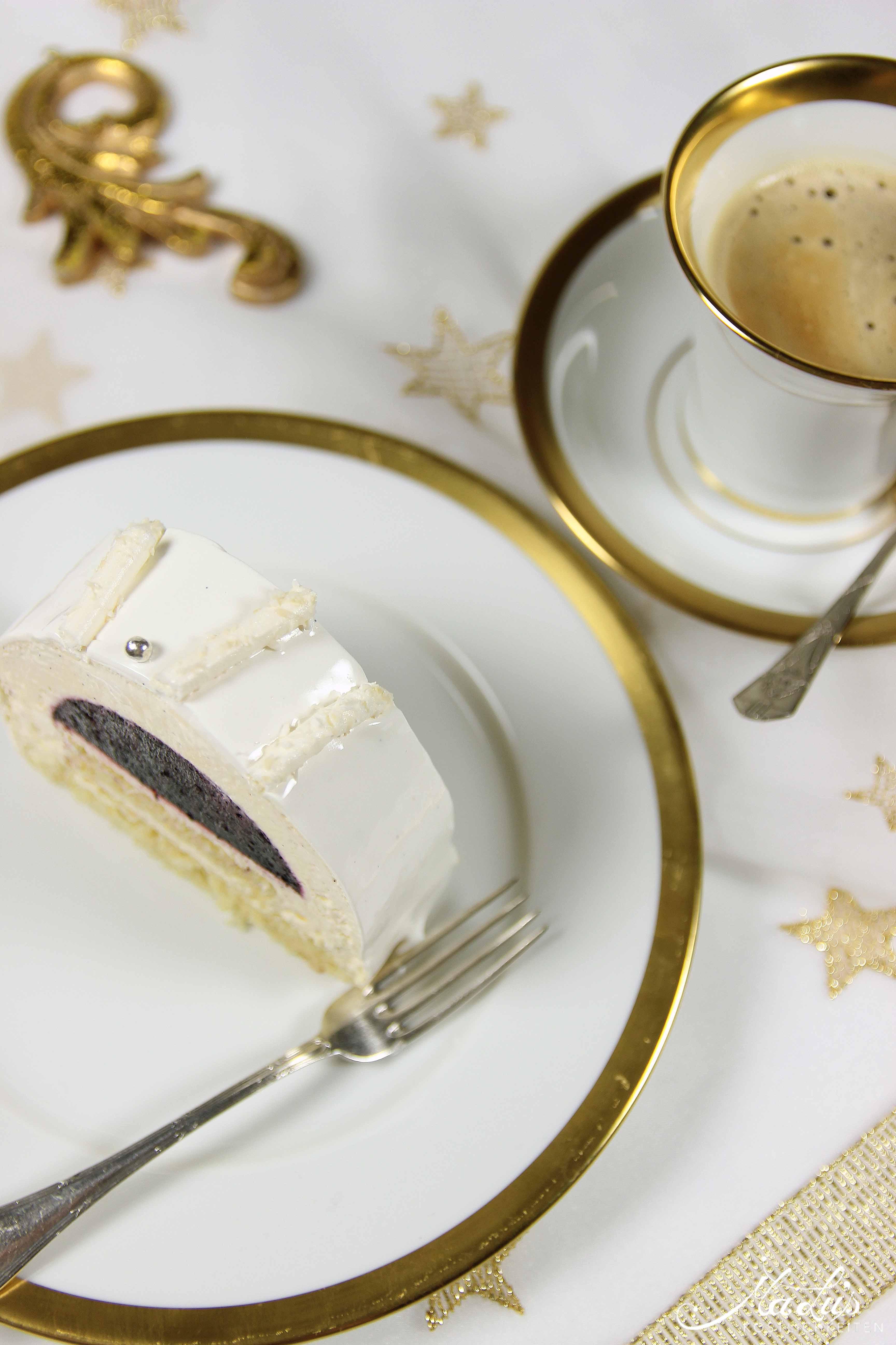 Vanille-Heidelbeer Bûche de Noël