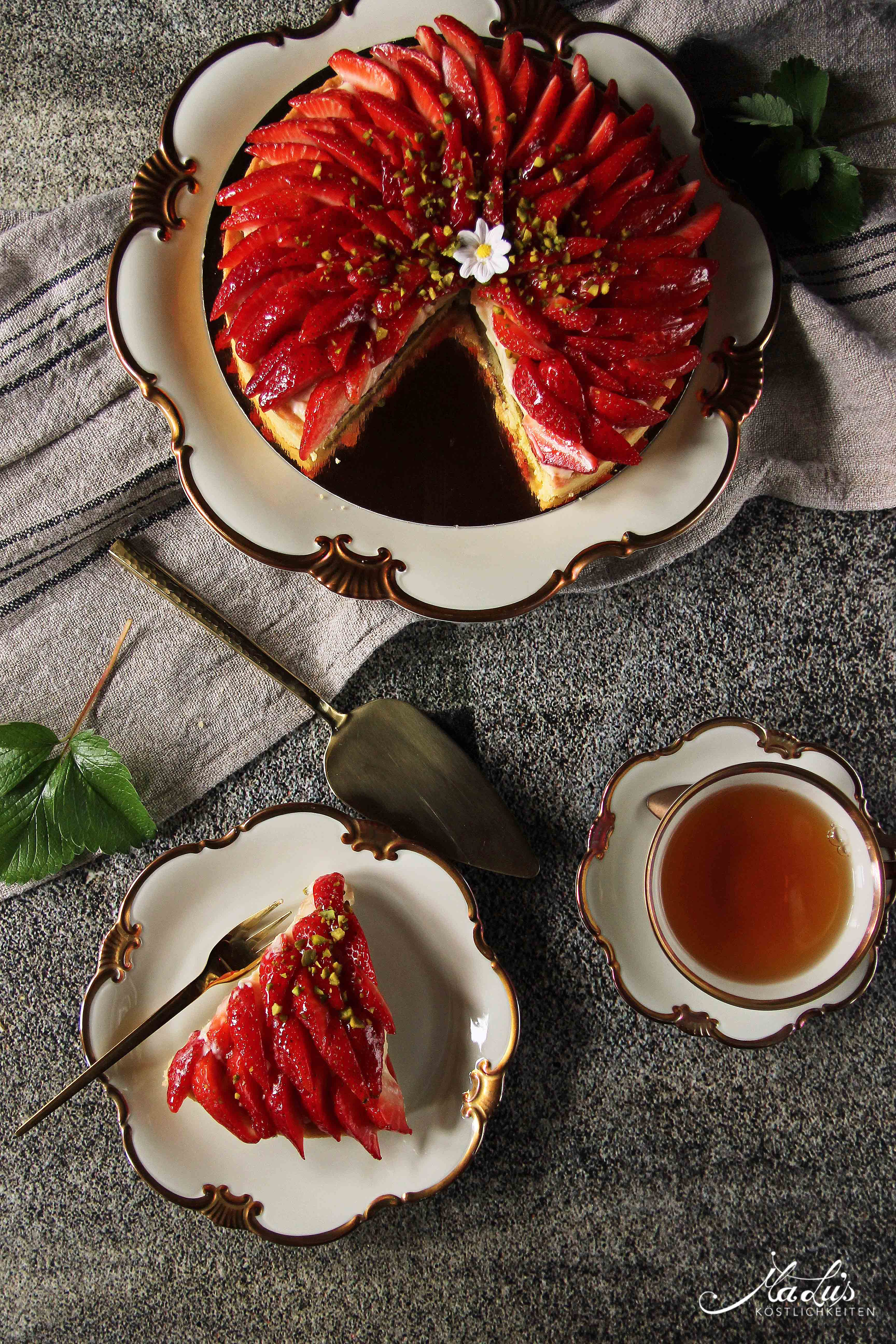 Erdbeertarte mit Pistazien, Tonka & Zitronenfrischkäsecreme