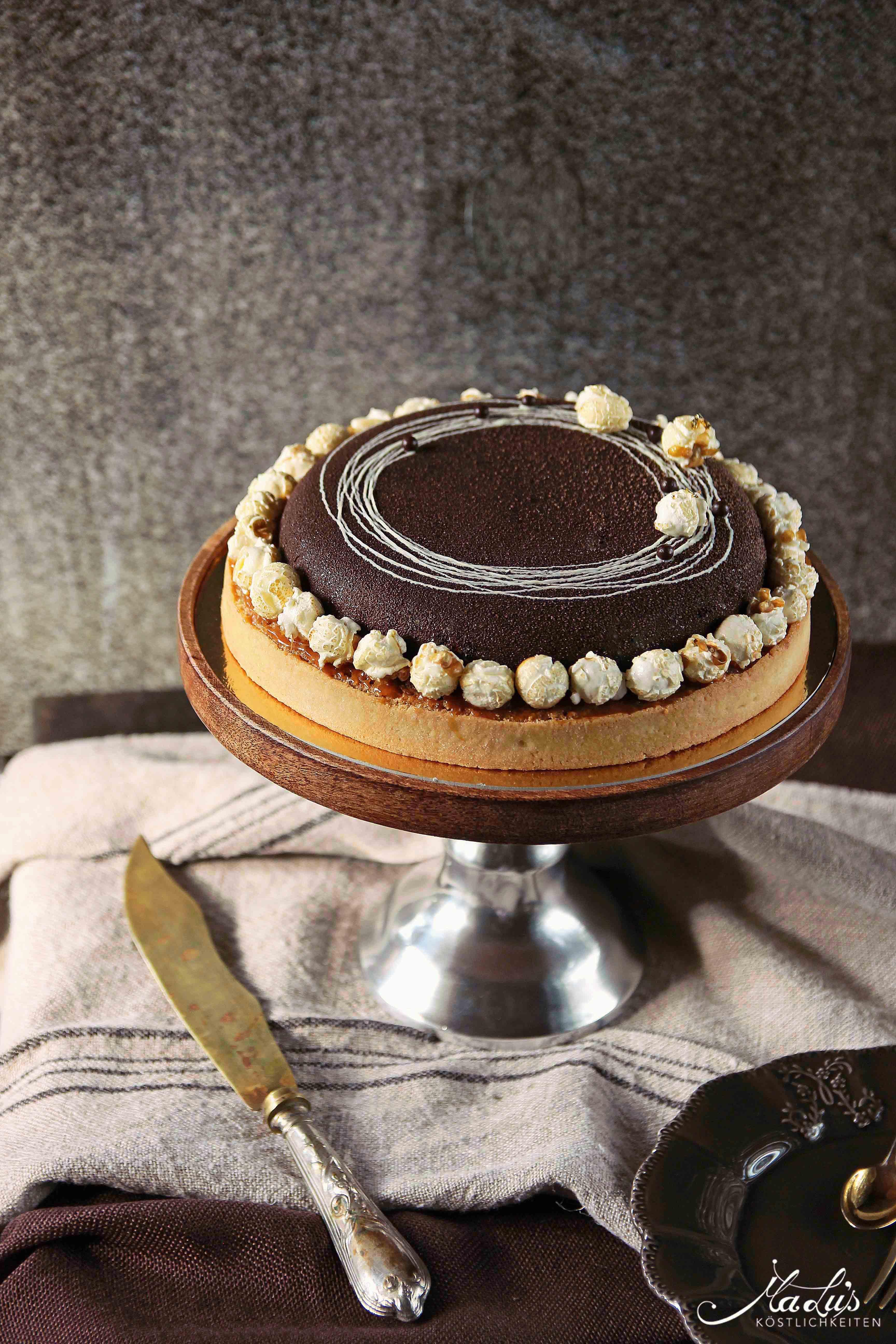 Schoko-Nuss Torte mit Popcorn