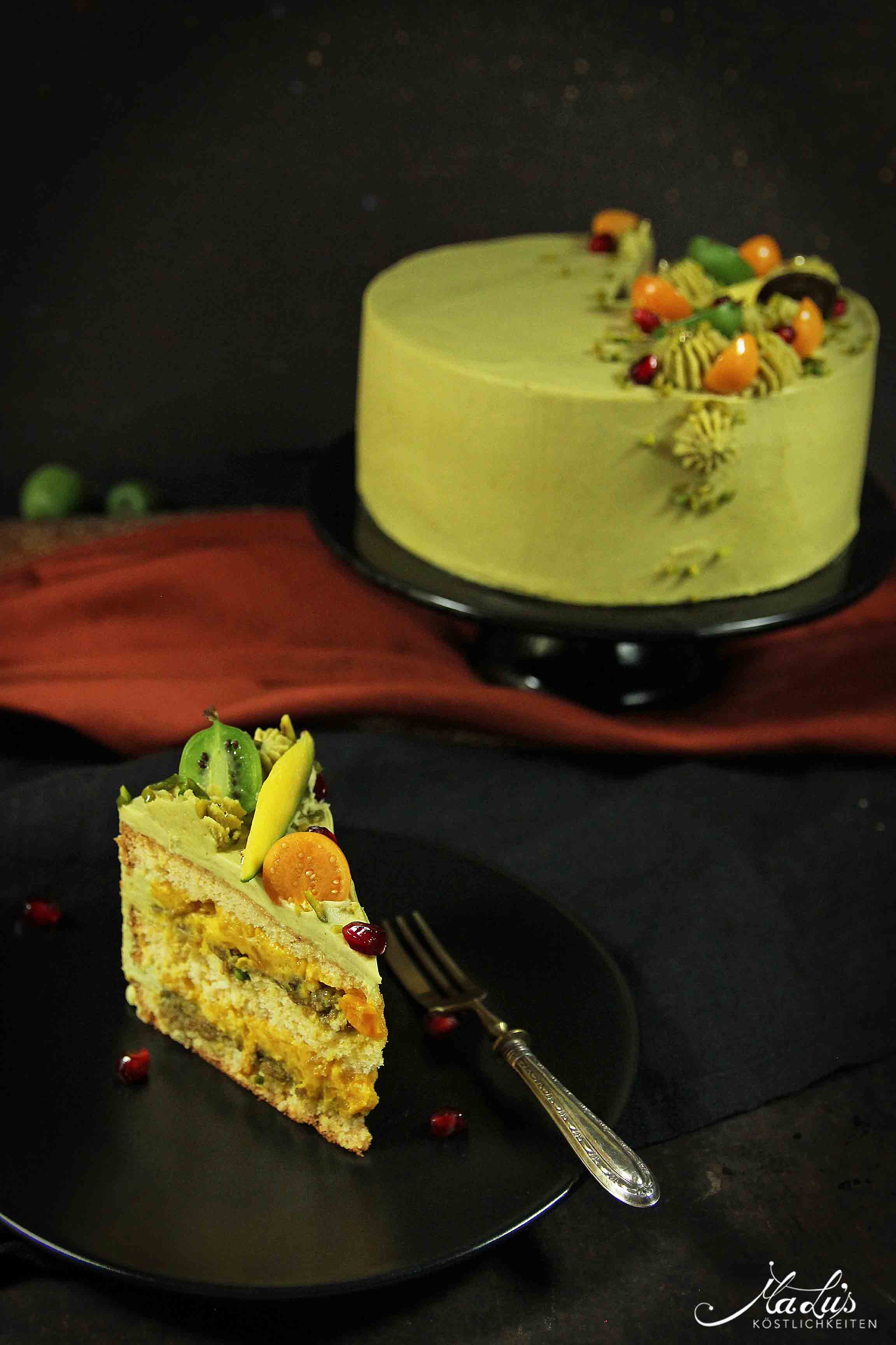 Pistazien Torte mit Mango & Physalis