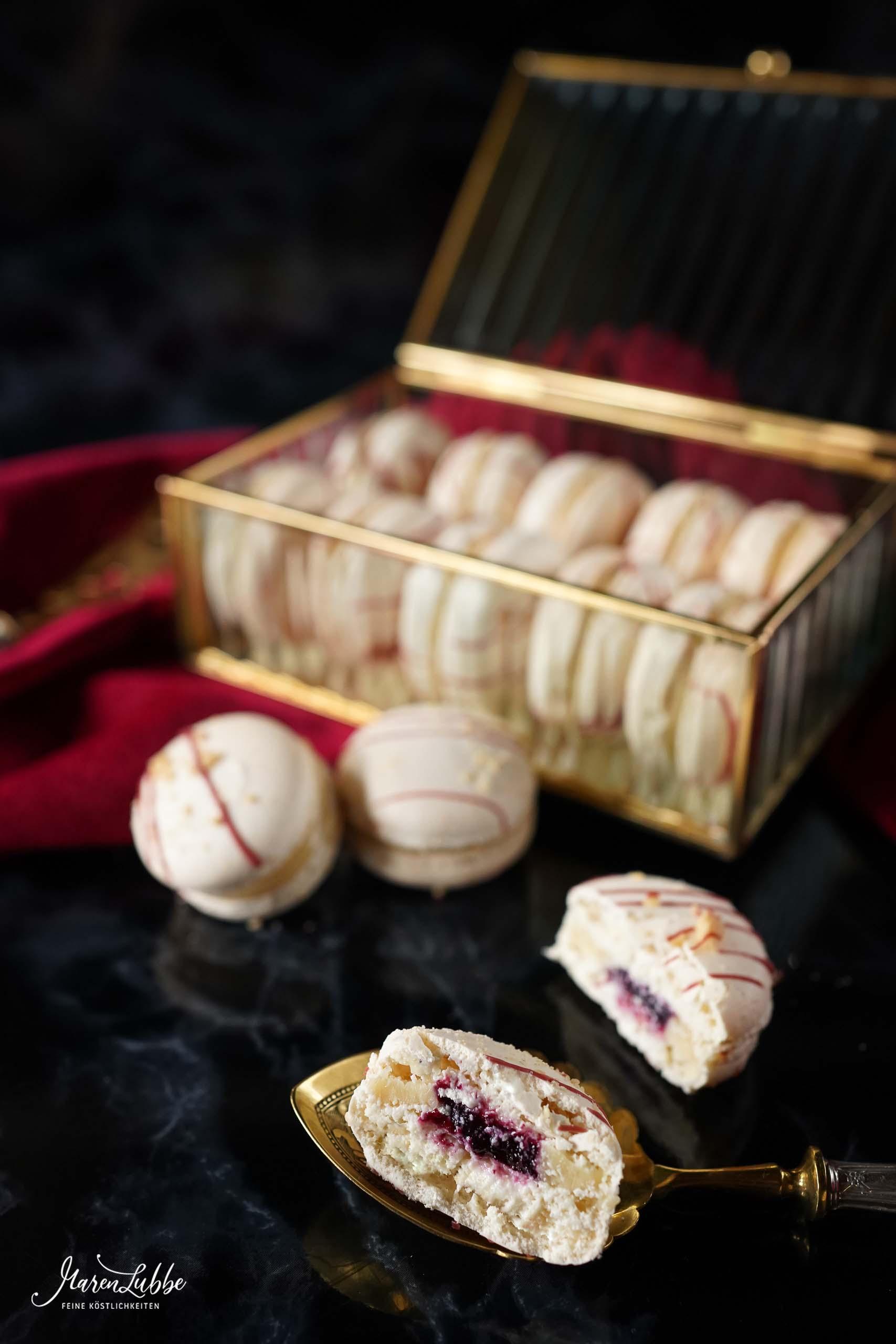 Erdnuss-Cassis Macarons