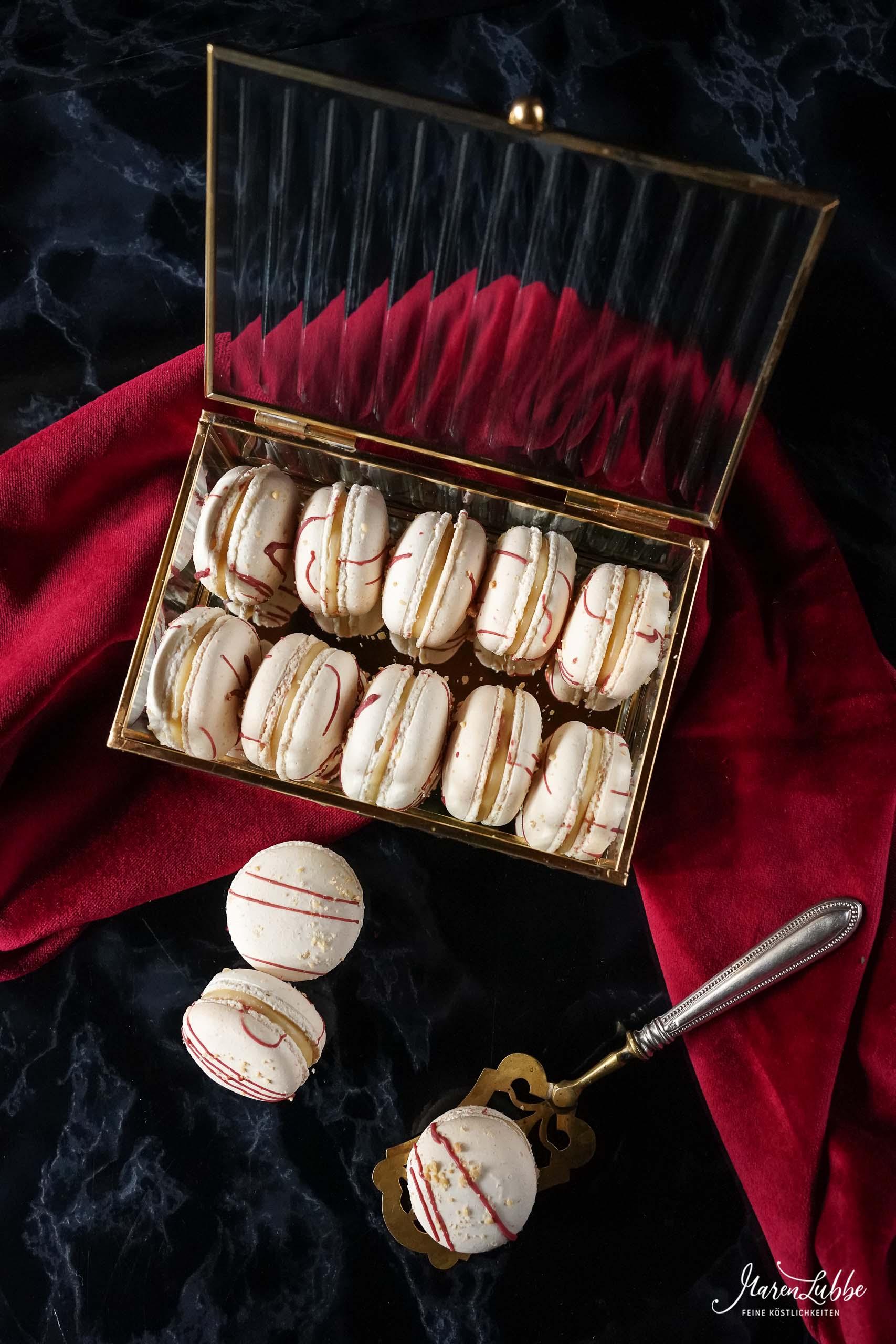 Erdnuss-Cassis Macarons nach Damian Wager